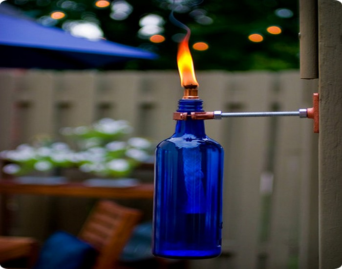 Beautiful torch ideas made from recycled wine bottle for Things made from wine bottles