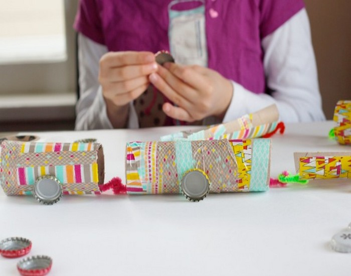 DIY Recycled Paper Train Idea