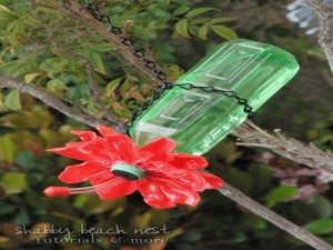 DIY Recycled Material for Birds Feeder