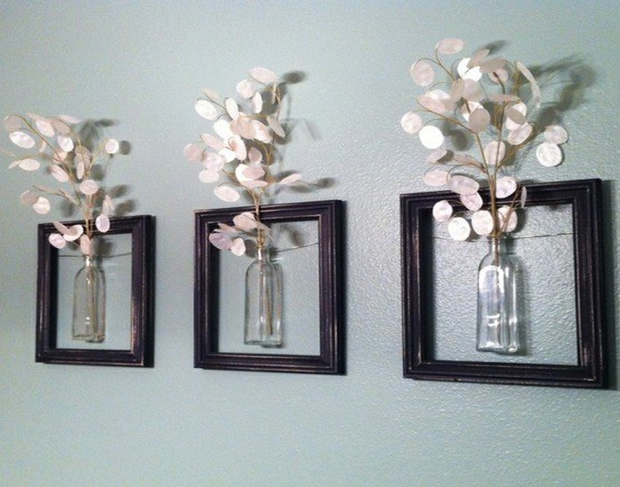 Diy recycle old picture frames home decor idea recycled for Art and craft ideas for home decoration