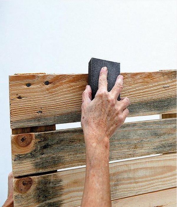 How to Prepare Recycling Wood Pallets