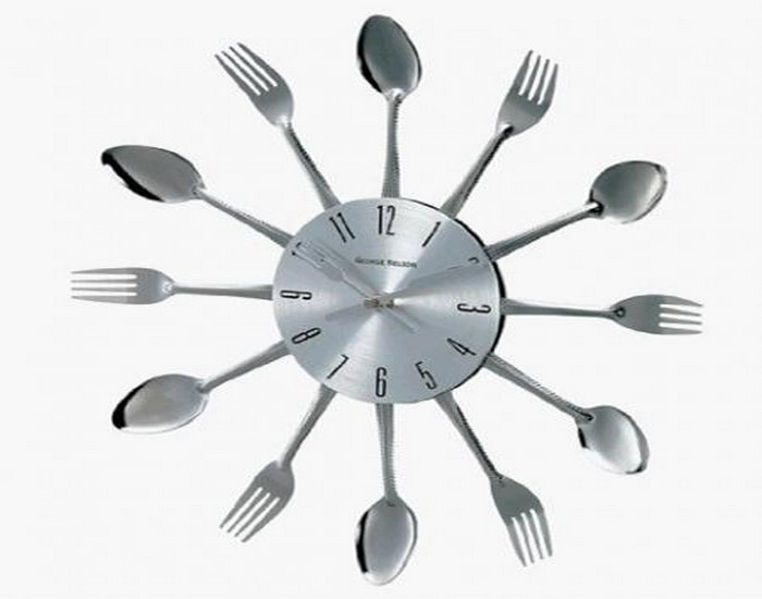 Metal Spoons Wall Clock