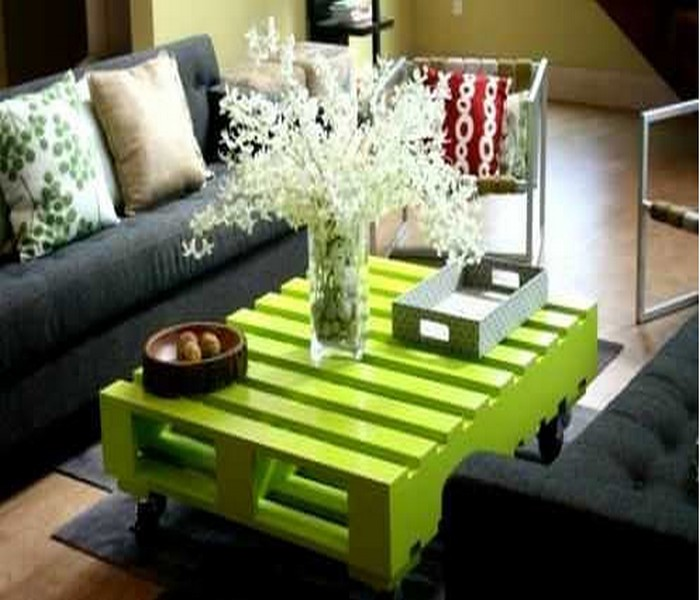 Recycled Wood Pallet Table Designs