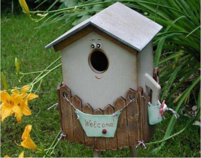 Recycling Wood for Birdhouses Ideas