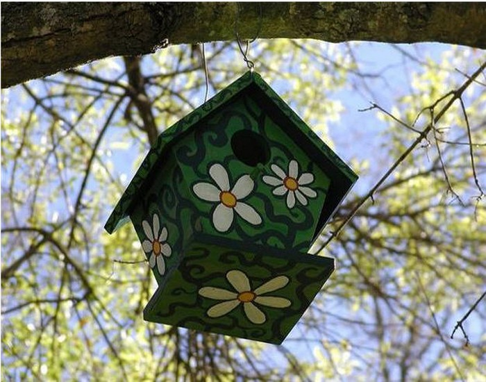 Recycling Wood for Birdhouses