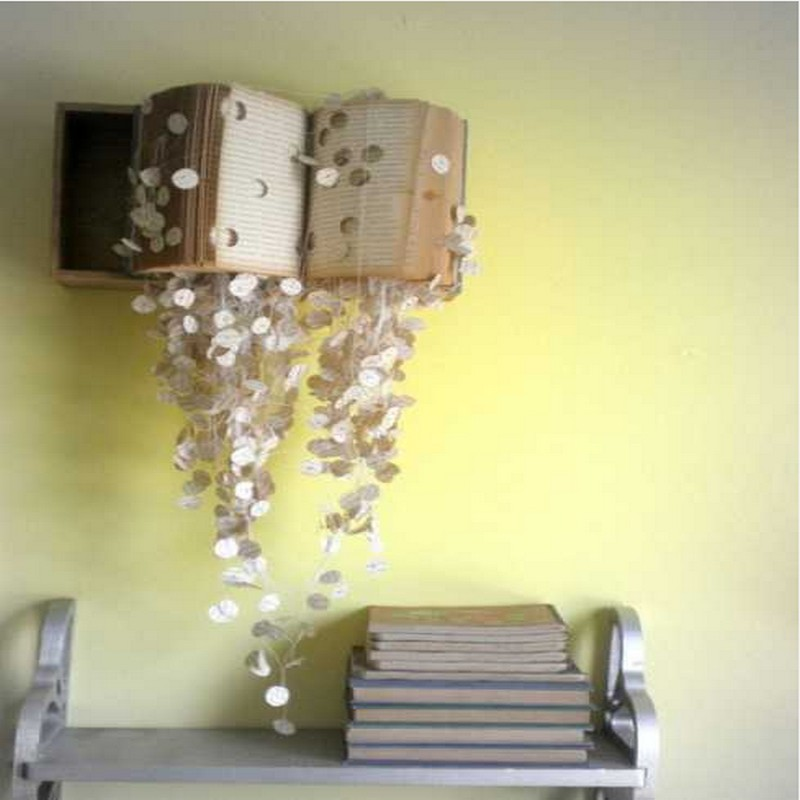 Diy recycled crafts wall decor ideas recycled things for Drawing decoration ideas