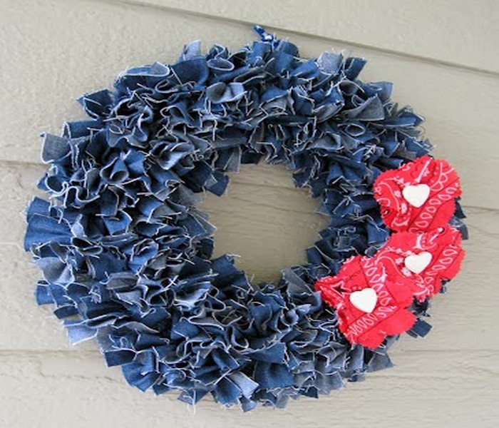 Recycled Old Jeans Wall Decor Idea