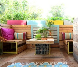 DIY Upcycled Pallet patio Decor Idea