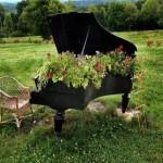 Repurposed Wooden Piano Garden Decor Ideas