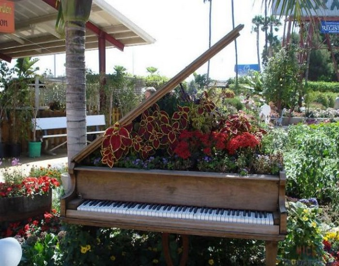 repurposed wooden piano garden decor ideas  recycled things, Garden idea