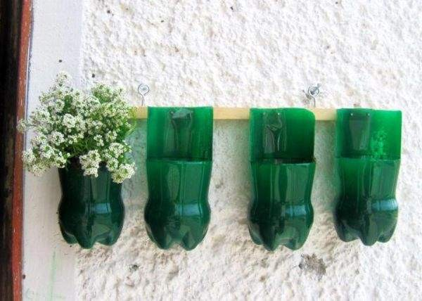 DIY Plastic Bottles External Wall Decoration