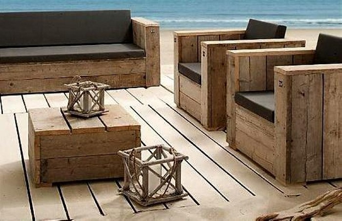 Patio furniture made from recycled wooden pallets Chairs made out of wooden pallets