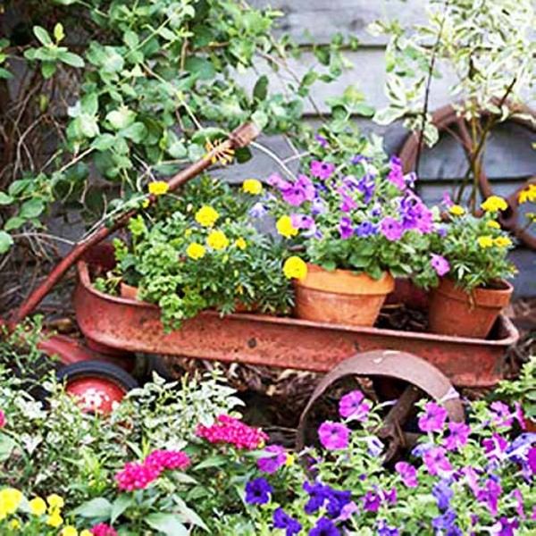 Garden decorating with recycled items recycled things for Garden decoration ideas