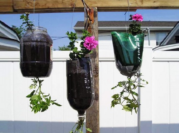 Recycled Plastic Bottles Hanging Flower Pots