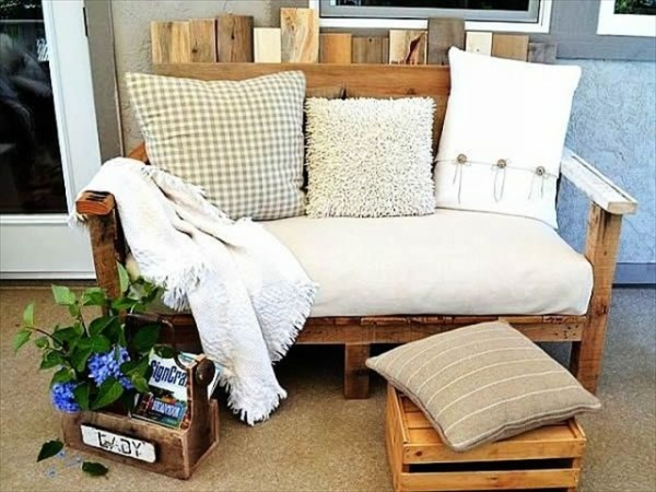 Recycled Wood Pallet Furniture Bench