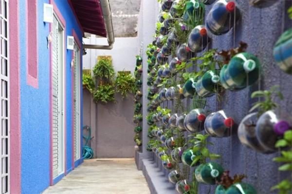 Reuse Plastic Bottles External Wall Decoration