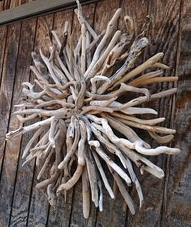 Upcycled Driftwood Decorative Wreath