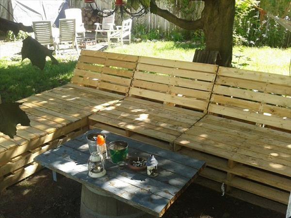 Upcycled Pallet Patio Furniture