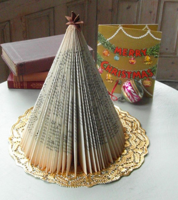 Upcycled christmas decor crafts recycled things for Christmas decoration things