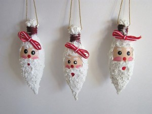 DIY Decoration from Recycled Bulbs