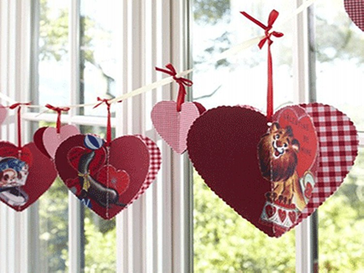 DIY Valentine Day Hearts Decoration