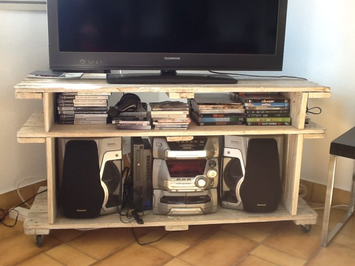 Pallet TV Stand & Rack