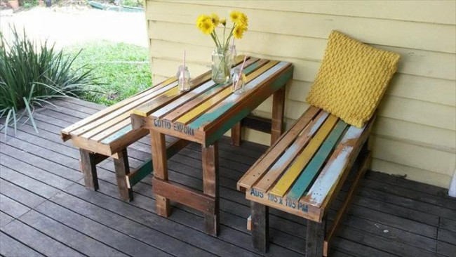 Pallet Table and Beches