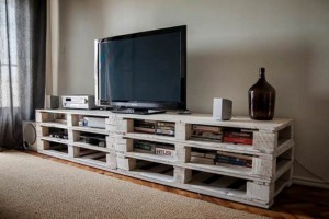 Pallet White TV Stand