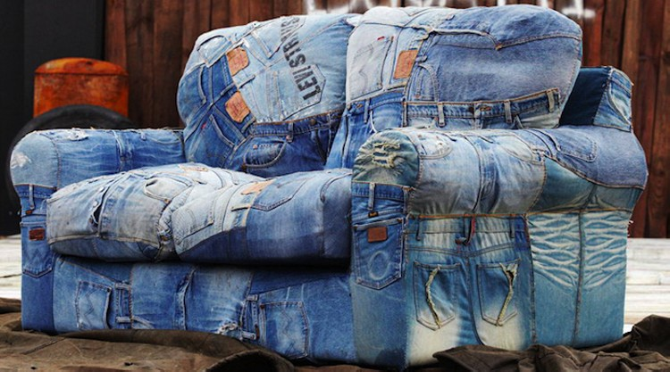 Recycled denim jeans sofa covers recycled things for Creative reclaimed denim sofa covers
