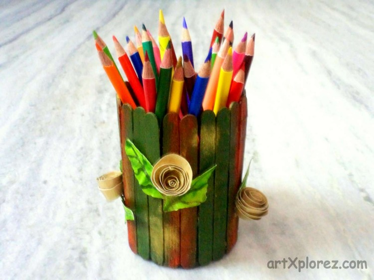 Recycled Ice Cream Sticks Pencil Holder
