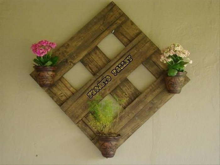 Recycled Pallet Wall Decor