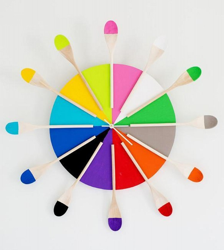 Interior decoration with waste material - Recycled Modern Wall Clock Ideas Recycled Things
