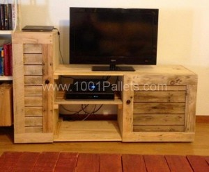 Wooden Pallet TV Stand