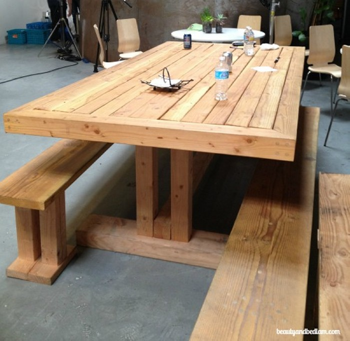 Diy projects made from wooden pallet recycled things for Making things with wooden pallets