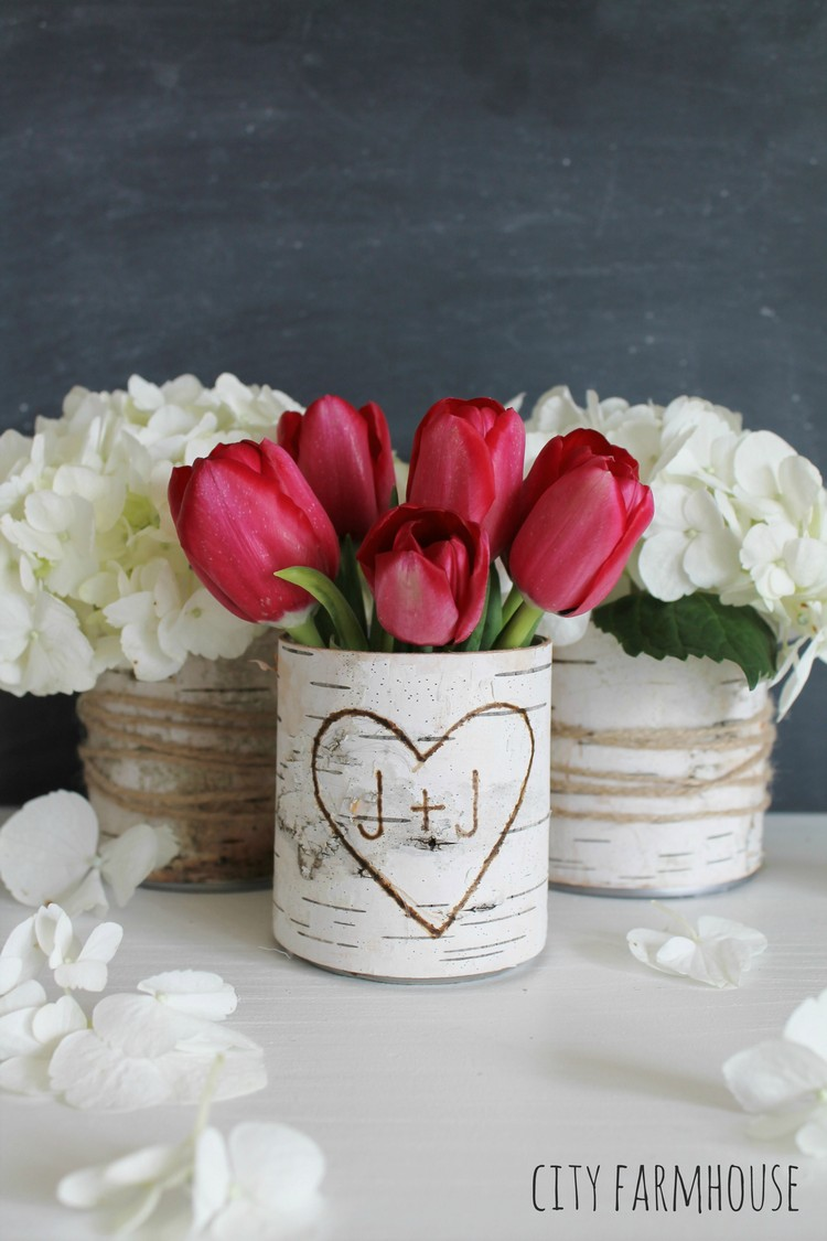 Diy flower vase projects recycled things for Creative things to put in vases