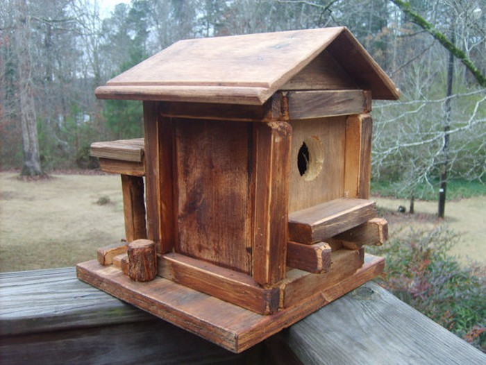 DIY Pallet Birdhouse