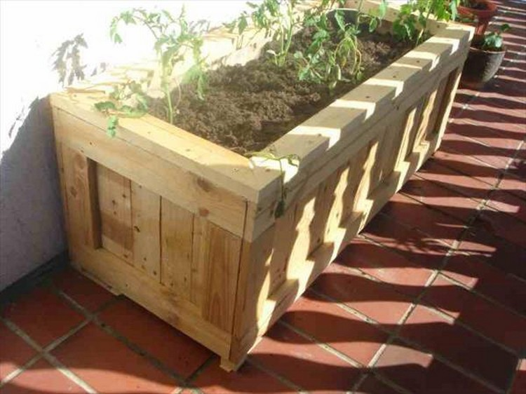 Planter boxes out of pallets recycled things for What can you make with recycled pallets