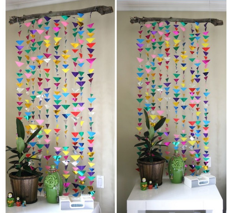 Diy upcycled paper wall decor ideas recycled things for Art room door decoration