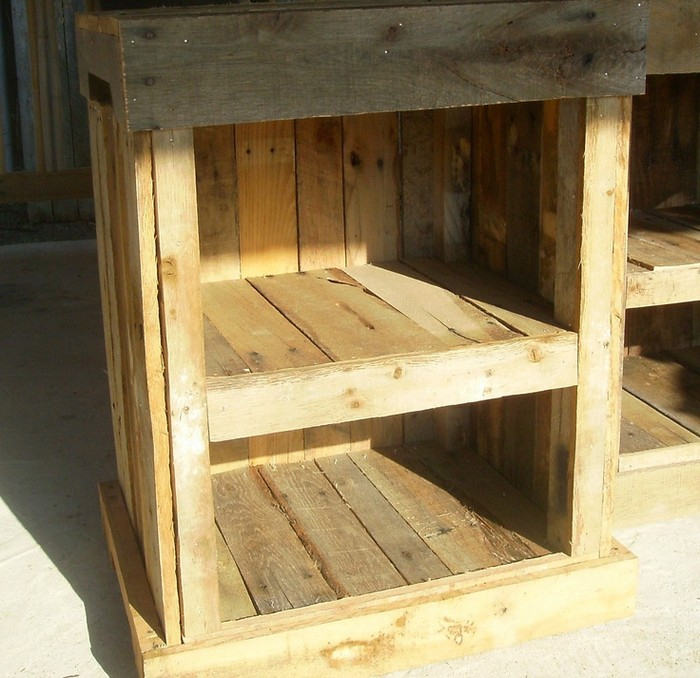 DIY Wooden Pallet Nightstand