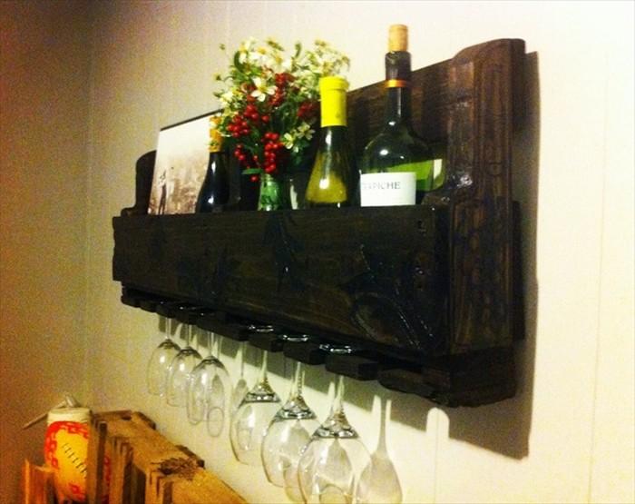 DIY Wooden Pallet Wine Rack