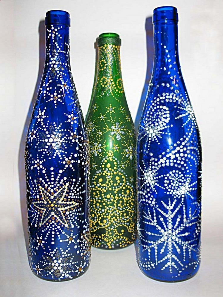 Diy decorations from reuse glass bottles recycled things for Empty bottle decoration ideas