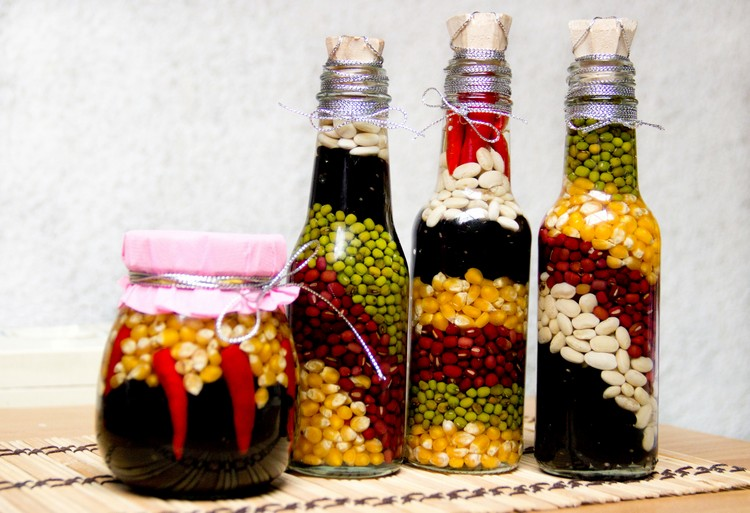 Diy decorations from reuse glass bottles recycled things for Things to make out of liquor bottles