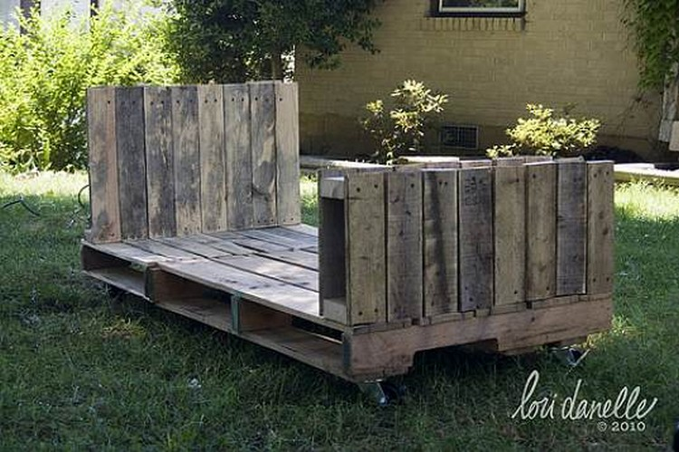 Pallet Kids Daybed