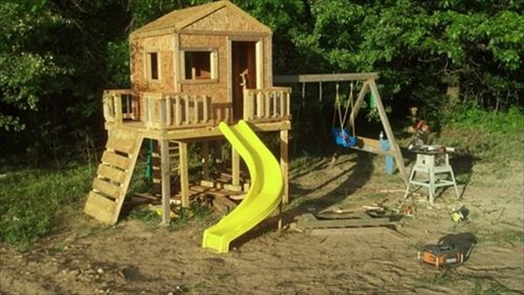 Wooden Pallet Kids Playhouse Plans Recycled Things