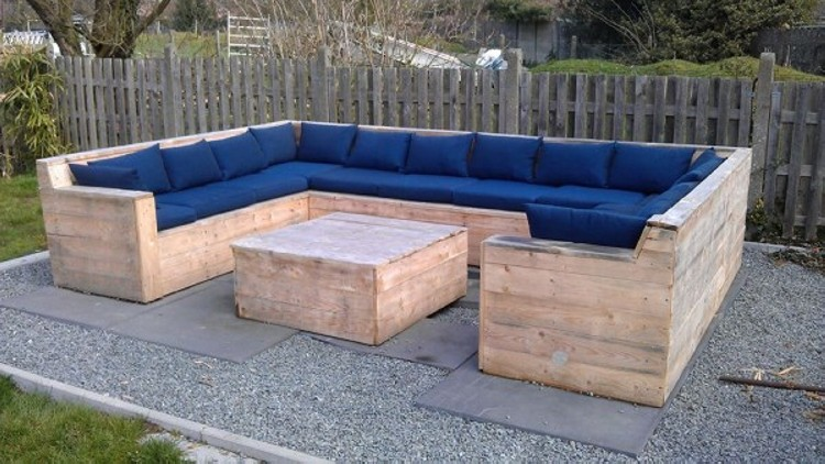 Pallet Patio Sofa