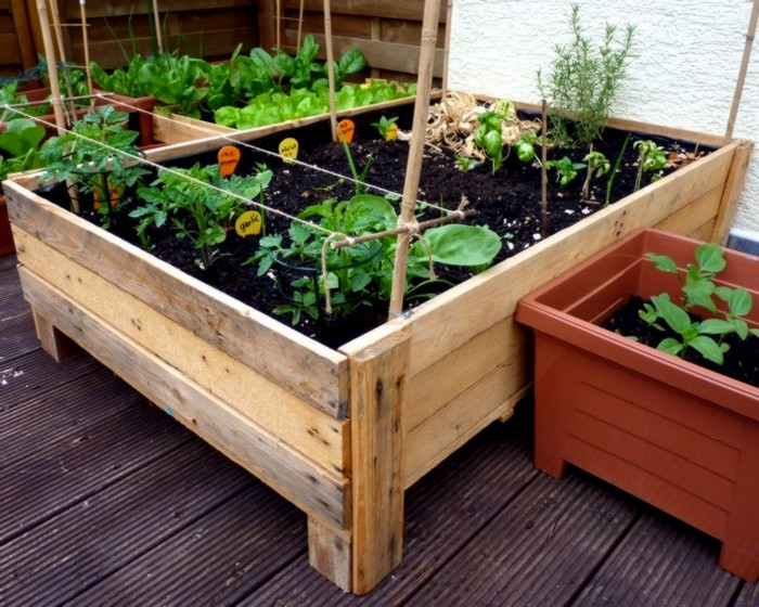 diy recycled pallet planters recycled things. Black Bedroom Furniture Sets. Home Design Ideas