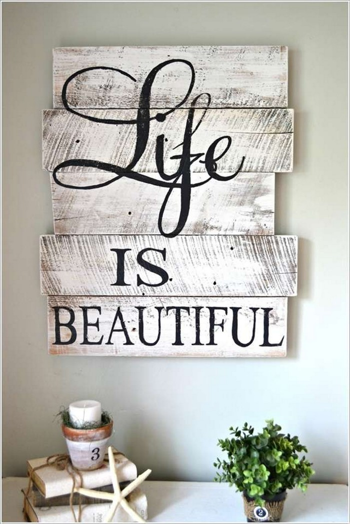 Diy wooden pallet wall decor recycled things for Decoracion para pared vintage