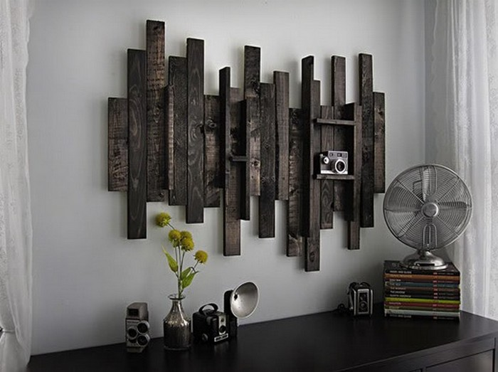 Diy wooden pallet wall decor recycled things Creative wall decor ideas