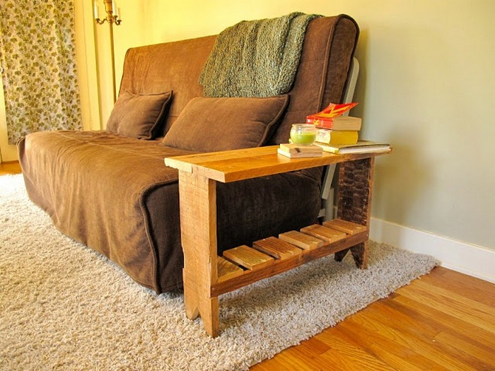 Reclaimed Pallet Wooden End Table