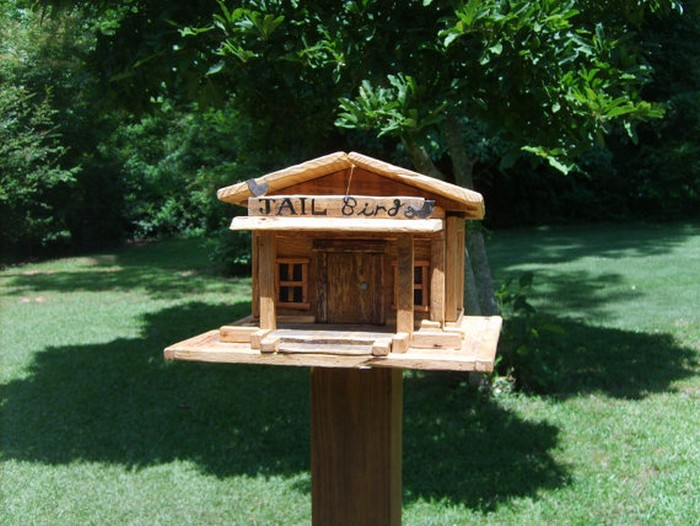 Upcycled Pallet Birdhouse
